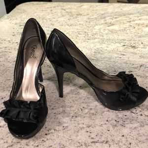 CARLOS SANTANA black heel size 8.5
